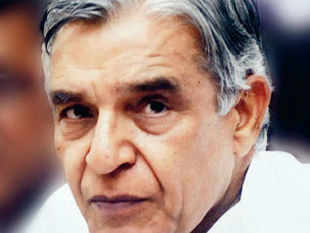 An auditor of a raft of firms founded by Pawan Kumar Bansal's kin was nominated as a government director on the board of state-run Canara Bank in 2007.