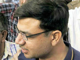 Five accused, including Railway Minister P K Bansal's nephew and suspended Member (Staff) in the Railway Board, were today remanded in judicial custody till May 20 by a Delhi court in connection with the Rs 10 crore railway bribery case.