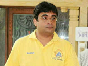 The Mumbai police issued summons to Gurunath Meiyappan, the team principal of Chennai Super Kings, to appear before it for questioning.
