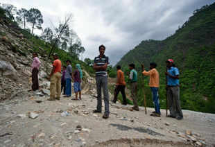BRO efforts help in evacuation of 2000 from Gaurikund by land