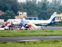 IndiGo Airlines may lose a good chunk of its commanders to AirAsia India as around 100 of its pilots have applied for jobs with the proposed carrier, say sources.