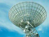 The Prime Minister's Office has decided to defer the extension of the controversial policy of 'preferential market access' to private telecom operators.