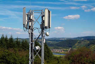 DoT may start conditional registration of mobile tower firms