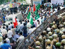Police keep vigil at an LDF protest demanding the resignation of Kerala Chief Minister on solar scam in Kozhikode on July 8.