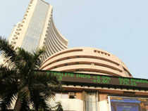 EIL today filed a draft prospectus with market regulator Sebi to divest 10% stake through FPO, which may fetch Rs 470 crore to the exchequer