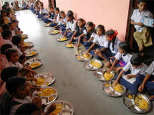 Last year, in a surprising move, the Bihar govt returned to the Centre almost Rs 500 crore meant to build midday meal kitchens and buy utensils to serve cooked meals.