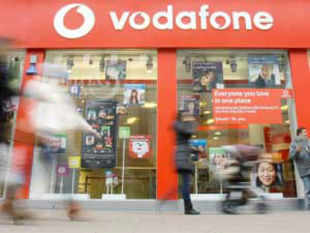 Vodafone unveiled a new campaign saying it will launch competitively priced mobile Internet packs as it looks to increase base of its 3G users in Mumbai circle.