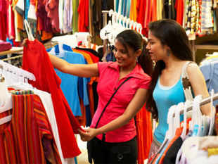 When Shoppers Stop's marketing head Vinay Bhatia visited one of his department stores on a recent afternoon, he noticed women flocking for bargains.