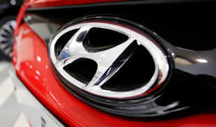 Hyundai launches 'Celebration Edition' of Santro priced at Rs 381,268