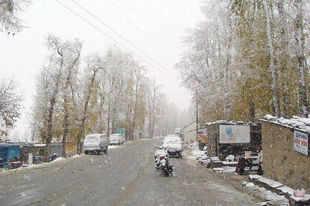 Cloudburst strikes Himachal Pradesh, rain disrupts Amarnath yatra in Kashmir