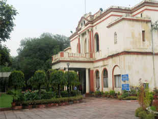 Kerala House is set to regain its old glory with the Kerala government deciding to restore the entire building to its original shape.