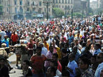 Islamist protesters today exchanged heavy gunfire with Egyptian security forces before the troops cleared a mosque.