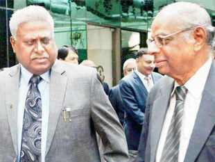 Loan defaults spark Rangarajan-Ranjit Sinha debate