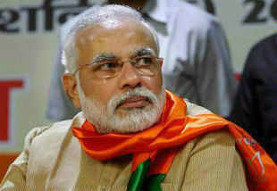 Narendra Modi continued his tirade against Prime Minister Manmohan Singh over the falling rupee, saying both he and the rupee have turned 'mute'.