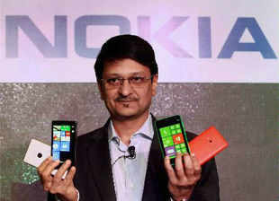 In a market where the industry's revenues grew a brisk 14.7%, and its leading rivals by a multiple of that, Nokia was one of the two companies in the top 10 whose revenues tumbled