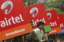 Airtel Bangladesh was awarded 3G licence with 5 MHz of spectrum in 2100 MHz band for $105 million in the auction held on September 8, 2013.