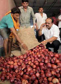 Onion prices have again touched Rs 70 per kg, rising by Rs 10 per kg, in the retail market in the national capital because of lower supplies in the wholesale market.