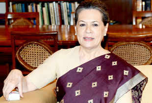 Hoax caller imitates Sonia Gandhi, government in a tizzy