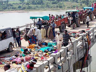Police had earlier said that 89 people, including 31 women and 17 children, were killed in the mishap.