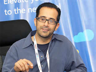 India must embrace disruption if it is to become a startup hub on a par with the US, says Rahul Sood , general manager at Microsoft Ventures.