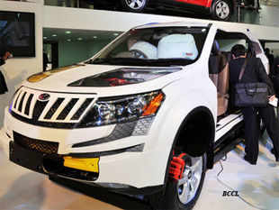 Auto-maker Mahindra & Mahindra today reported 5.39 per cent decline in its total sales at 50,558 units in October 2013.