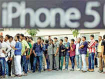 Don't let the long queues for the iPhone 5s fool you: Apple will need to bring down prices to find more takers in India, but that may result in its profits taking a further beating.