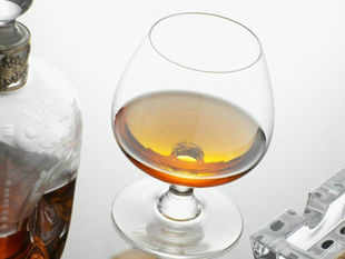 Herman Jansen and Kishore Chhabria's Allied Blenders & Distillers have signed an agreement to relaunch the second largest selling brandy in the world in India.