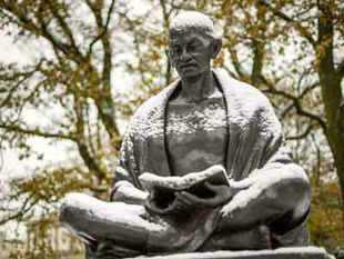 Mahatma Gandhi is like a candle as he enlightened the world and scarified his own life, the Governor of Bali has said.