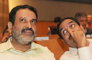 Infosys' Balakrishnan quits to join Exfinity bandwagon