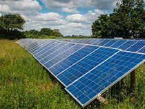 If manufacturing companies are to be believed, threshing, fodder cutting, tractor, desalination and water purification, all this would soon run on solar power.