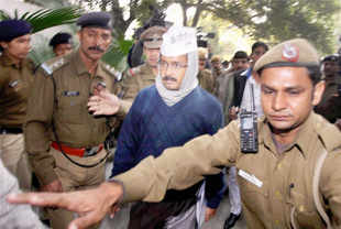 Kejriwal's dharna hasn't gone down well with police officers, analysts