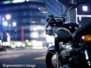 Indian super bike market has swelled multi-fold to around 3,000 units a year in the past halfa-decade and is doubling almost every two years despite the economic gloom and fall in domestic demand.