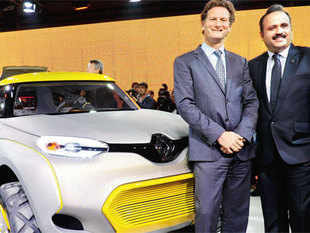 Gilles Normand, senior VP & chairman, Asia Pacific, Renault and Sumit Sawhney, India CMD, at the unveling of the concept car KWID