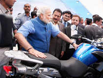 Modi presented his vision for advancement of technology; one that encompassed 'high speed digital highways' and optical fibre networks.