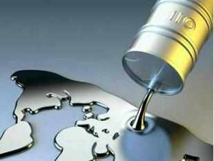 The US has asked India not to increase crude oil imports from Iran until the middle of 2014 as it tests Tehran's resolve to cooperate with world powers on its controversial nuclear programme.
