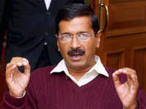 Arvind Kejriwal'score team of volunteers — a mix of experienced hands and youngsters,has decided to highlight the Ganges river, sewer and weaver in his campaign as three major issues during their Varanasi stint.