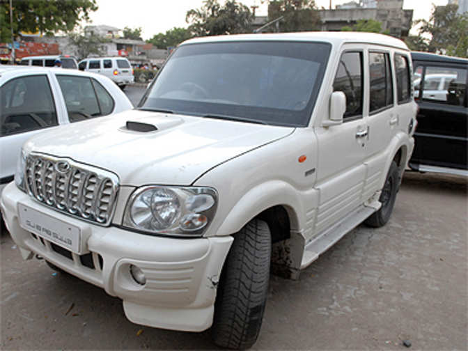 m m 39 s scorpio reclaims top spot in india 39 s suv market leaves behind renault duster ford ecosport. Black Bedroom Furniture Sets. Home Design Ideas