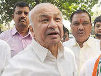 Nineteen constituencies across Maharashtra will go to polls on Thursday to decide the fate of 358 candidates, including bigwigs like Sushilkumar Shinde and Ashok Chavan.