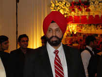 Chatwal has  raised funds for several Democratic leaders including Hillary  Clinton's 2008 presidential campaign and Senate majority leader Harry  Reid.