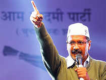 Kejriwal's road show became talk of the town & drew  comparisons with Modi's huge show of strength, which had brought Banaras to a complete standstill with over a lakh waving & cheering Modi during filing nomination.