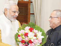 After staking his claim to form the government before PresidentPranabMukherjee,Modireturned toAhmedabad& chose to address the electorate in his assembly constituency inManinagar.