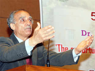 Firmly backing the Rajasthan government's decision to amend outdated labour laws to boost job creation rather than wait for the Centre to change these laws, Shourie said this is the only way forward on subjects in the concurrent list of the Constitution.