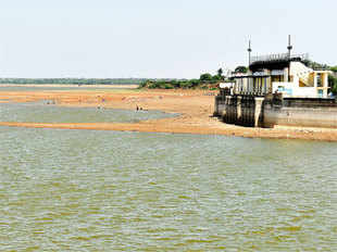Narrowed monsoon deficit along with the good pre-monsoon spread helped raise the water levels to 25% in the past week.
