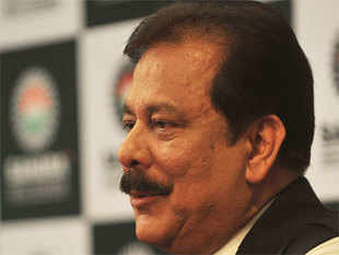 The Supreme Court today asked the Delhi government to explore a venue within Tihar jail complex where Subrata Roy can hold negotiations with buyers of his properties