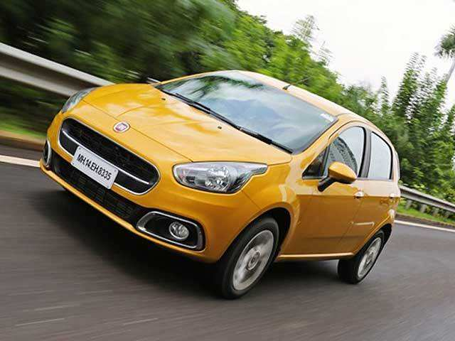 handling braking 2014 fiat punto evo review the economic times. Black Bedroom Furniture Sets. Home Design Ideas