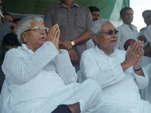 The joint rally of Lalu and Nitish kicked off the byelection campaign of secular alliance of RJD, JD(U) and Congress for assembly seats.