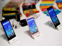 Xiaomi, China's largest handset maker, on Tuesday sold 20,000 Mi 3 smartphones on Flipkart within 2.4 seconds.
