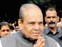 A Rashtrapati Bhawan communique said that Sankaranarayanan has been shifted to Mizoram and Gujarat governor OP Kohli has been asked to discharge his duties.