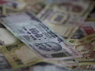 Cheering the rebound in India's economy which grew 5.7 per cent in the April-June quarter, highest in the past two-and-a-half years, India Inc today said it expects the GDP to pick up further on the back of conducive investment policies and execution of reforms by governmen