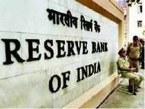 Detection ofRs100 denomination fake notes increased by 10,000 pieces during the fiscal to 1.18lakhpieces, the RBI said in its recently released annual report.